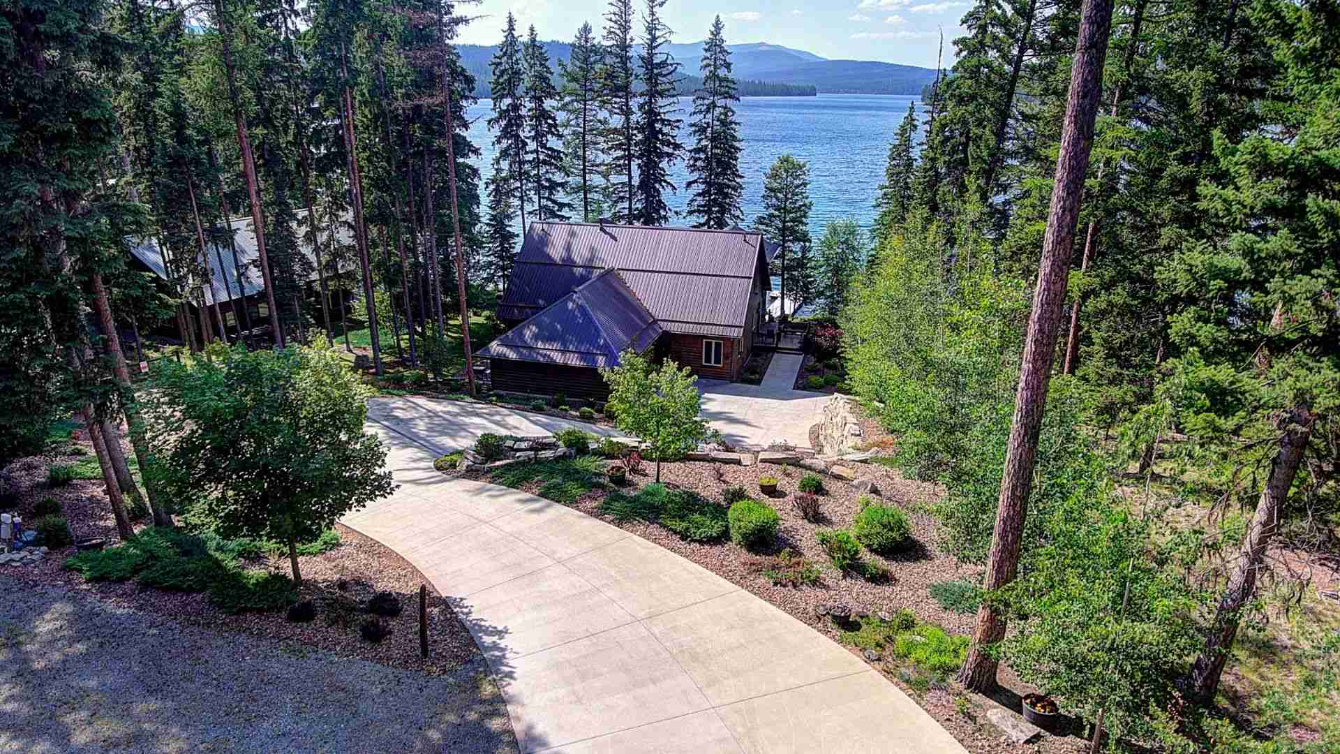 Spectacular McGregor Lake Waterfront Home